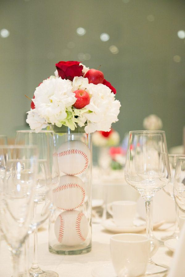 テーブル装花 野球ボール
